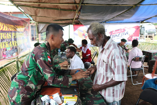 Tim Kesehatan Satgas Kostrad Gelar Pengobatan Massal di Kampung Tomerau Perbatasan RI-PNG