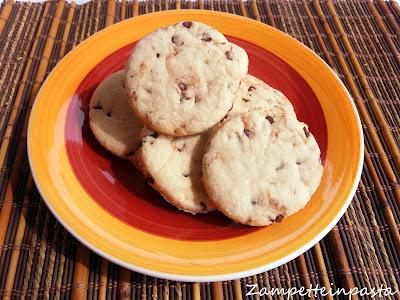 Pasta frolla al cocco vegana - Biscotti con pasta frolla al cocco senza uova e senza burro