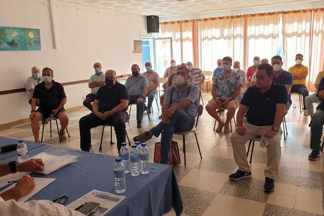 Detalle de la audiencia durante la junta general de submarinistas (imagen de João Gonçalves)