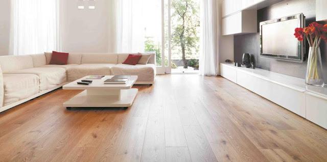 ¿Que tipo de decoraciones van mas con un piso de madera?
