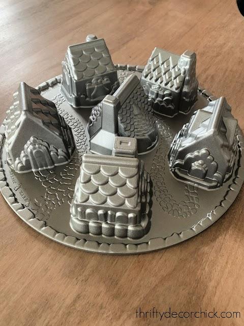 Nordic village cake pan