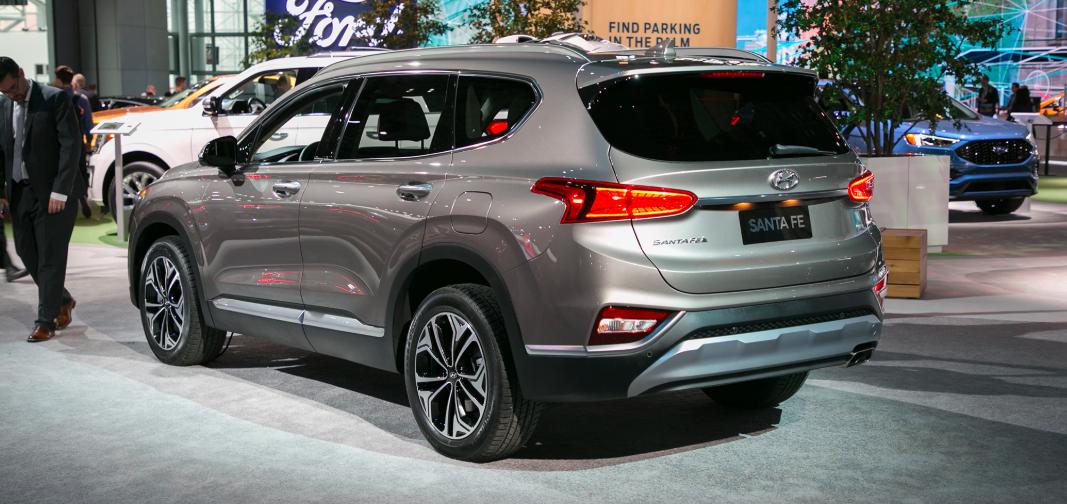 Mẫu Xe Hyundai Santafe 2020 Màu Nâu 7 Chỗ máy xăng