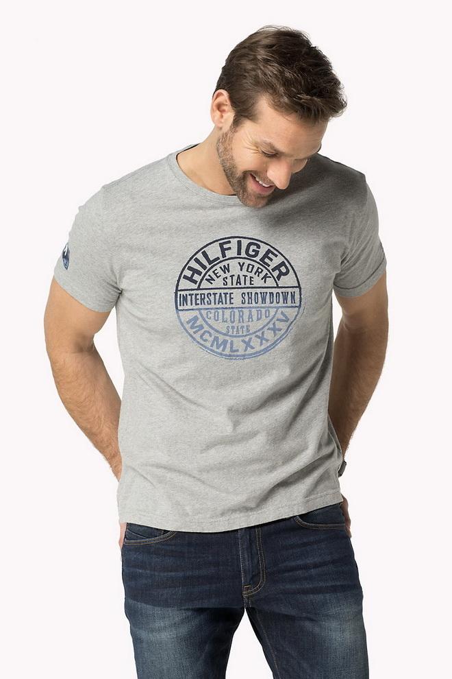 ... и многие другие тренды имеют место в моделях мужских футболок Tommy  Hilfiger 2015 года. Выбор за вами 08af31b6b6246