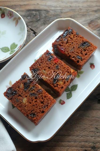 Kek Buah Kukus Pilihan Azie Kitchen