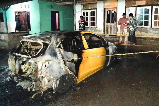 Mobil Brio terbakar saat parkir, barang bukti korek api