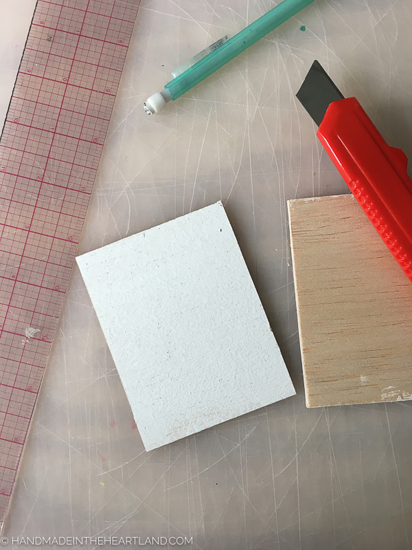 Easily cut balsa wood