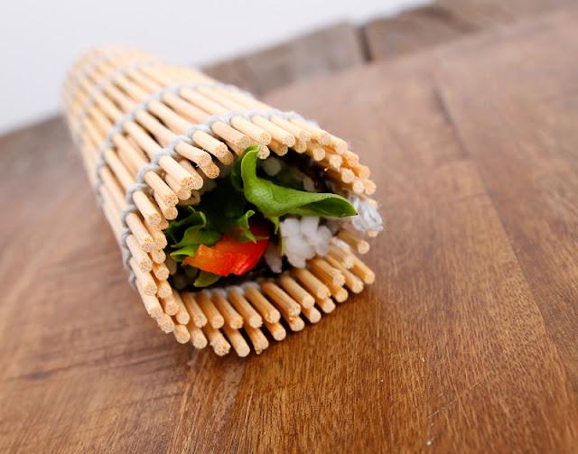 Oppskrift Bambusmatte Vegansk Hjemmelaget Sushi Maki Vegetarsushi Fiskefri