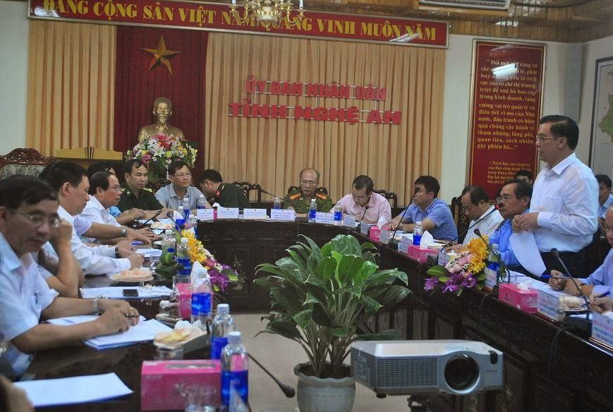 Bộ trưởng Đinh Tiến Dũng làm việc với tỉnh Nghệ An