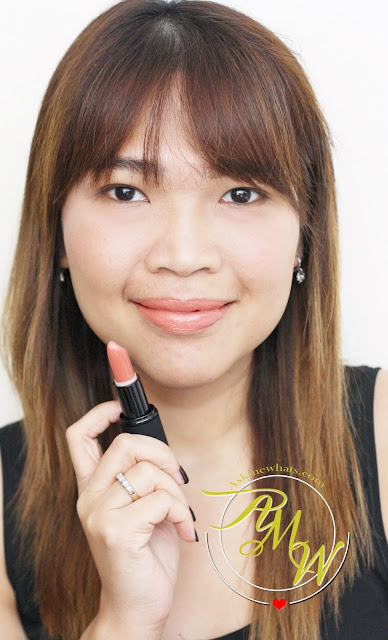 a photo of Nikki Tiu AskMeWhats wearing Sleek MakeUP True Colour Lipstick Barely There
