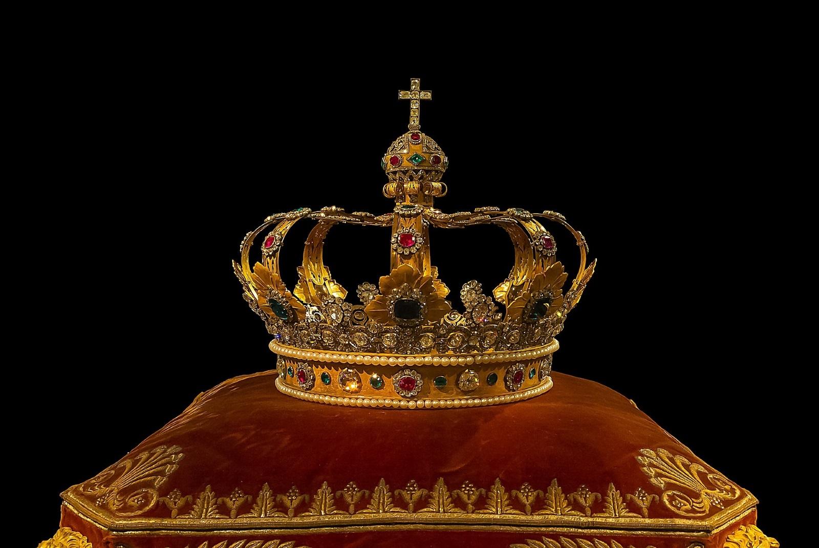 Skygear: 陛下,猊下等の「下」の付く敬稱