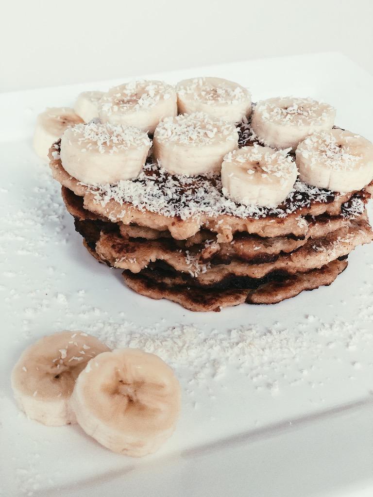 Pannenkoeken bakken kan op verschillende manieren en variaties. + Recept