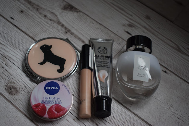 What's inside my bag, make up