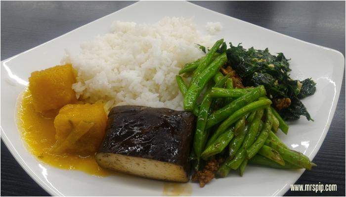 Usagi Restaurant , vegetarian restaurant in Kompleks Karamunsing