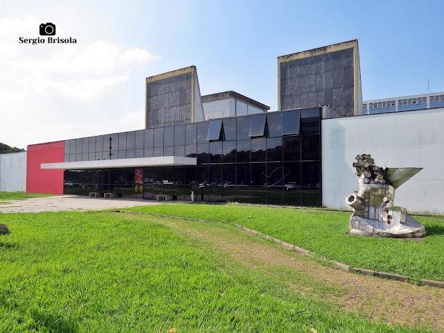 Vista ampla do prédio do atual Espaço das Artes (ECA USP) - Butantã - São Paulo