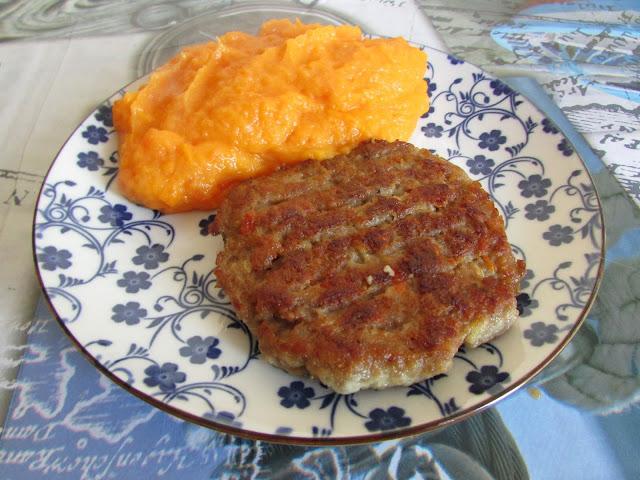 Bifteki z puree z marchwi