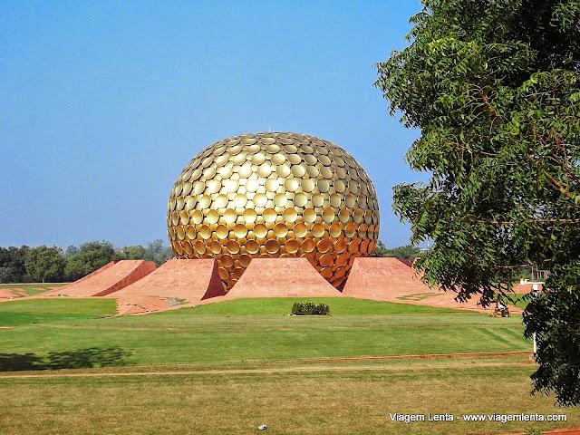 A Matrimandir, em Auroville