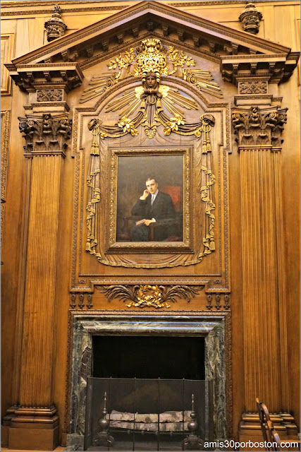 Chimenea y Retrato en la Widener Memorial Room