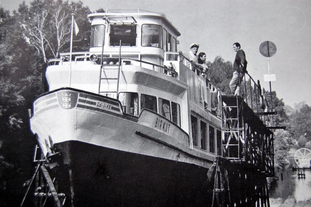 Statek Birkut, Kanał Elbląski