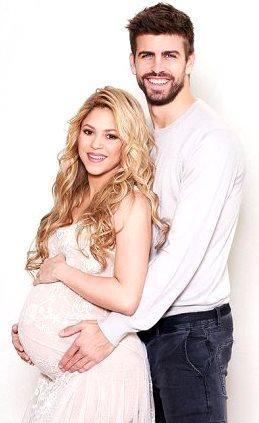 Foto de Shakira embarazada con el padre de su hijo