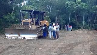 Diskusi Trial Dozer Caterpillar D5R Land Clearing di Proyek Cetak Sawah Ampah Kalimantan Tengah
