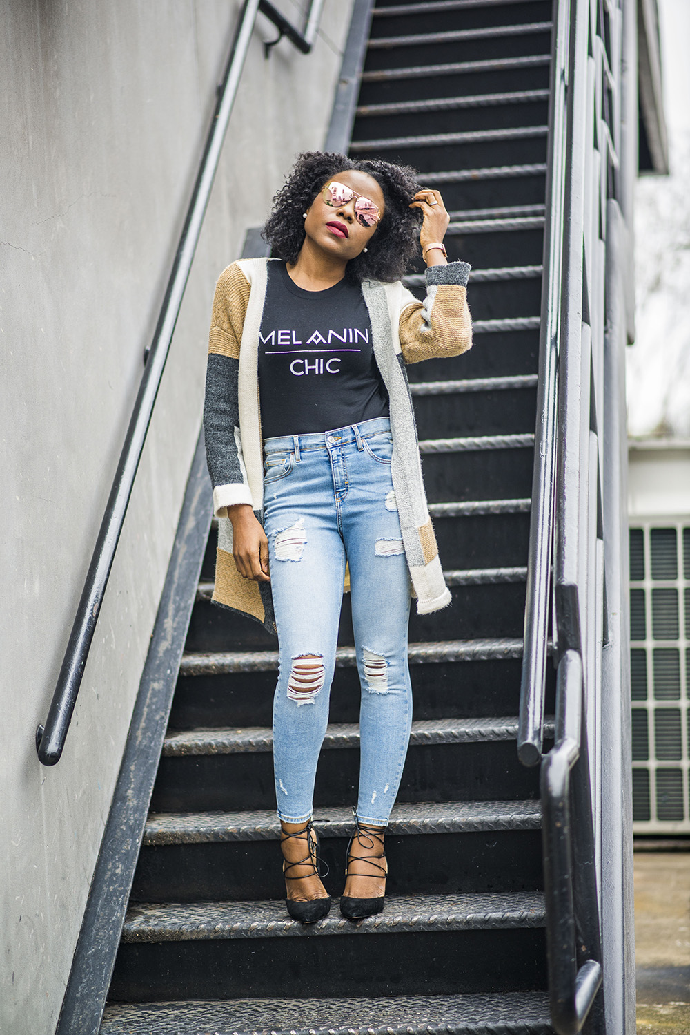 How to stylishly wear  t-shirt and jeans