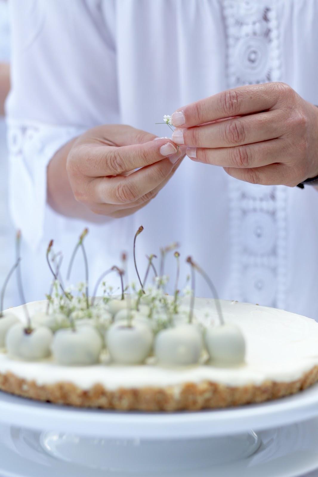 White Dinner 2017 - Angel Food Cake mit weißen Johannisbeeren und zarte Crème Brulée bei den Rhein-Neckar-Bloggern