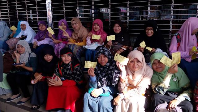 Penonton Film KMGP di Bioskop Raya Padang