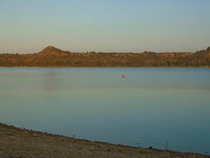 El río Ebro a su paso por el Cabezo de Monjuit