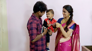 Keerthy Suresh in Saree with Cute and Lovely Smile with a Cute Kid