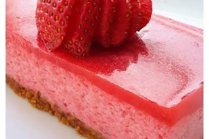 Vegan Strawberry Mousse Cake