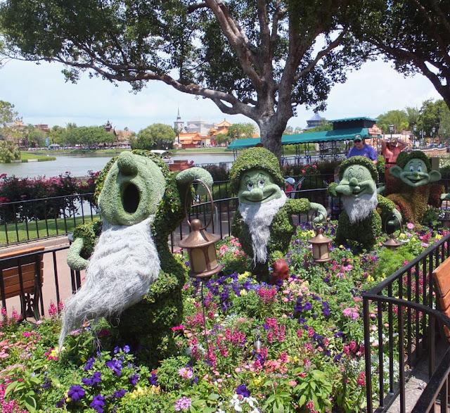 EPCOT Topiary 7 Dwarfs