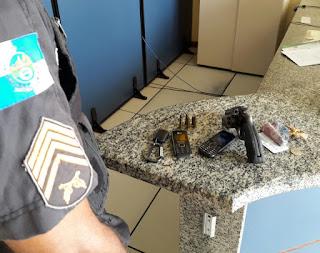 http://vnoticia.com.br/noticia/2497-pm-prende-dois-elementos-no-centro-de-sfi-um-deles-foragido-da-justica-por-roubo