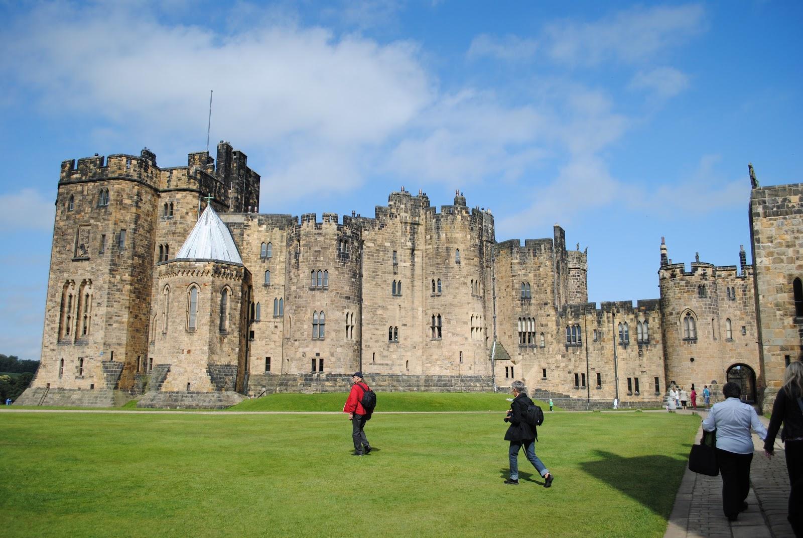 Cinderella Castle Floor Plan Alnwick Castle Virtual Tour Pokemon Go Search For Tips
