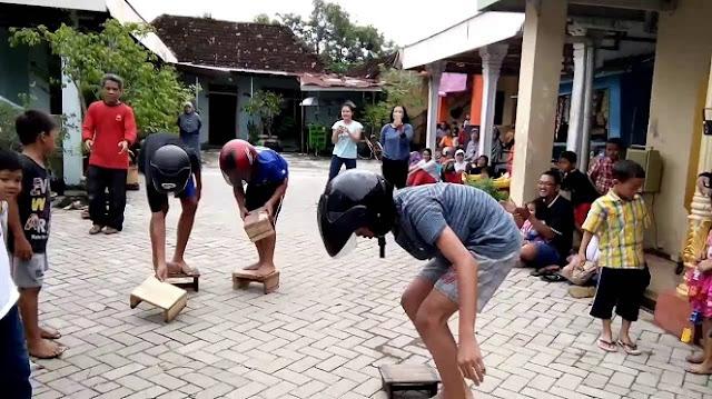 Lomba Balap Bangku