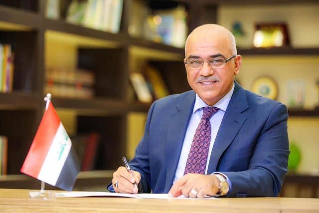وزير التعليم نبيل كاظم عبد الصاحب يؤكد تقديم مقترح لتعيين حملة الشهادات العليا