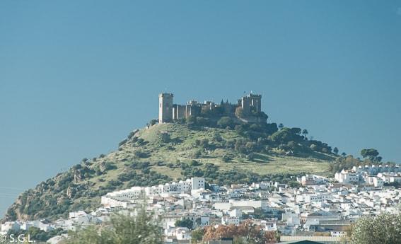 Vista del castillo de Almodovar. Visita Cordoba