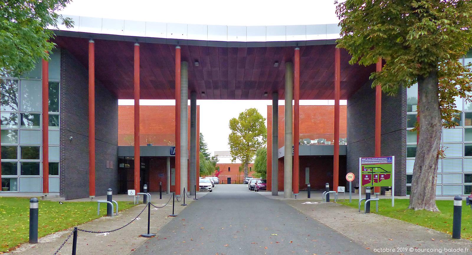 École Nationale des Douanes, Tourcoing - Entrée principale.
