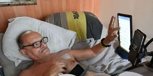 Facebook is preventing a terminally ill French from broadcasting his death live