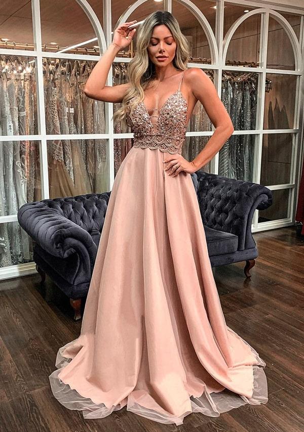 vestido de festa longo rose para madrinha de casamento à noite