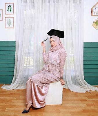 model kebaya wisuda muslim terbaru