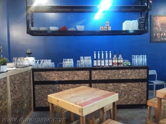 Dekorasi yang ringkas dan santai di Restoran Suriani Nasi Kukus