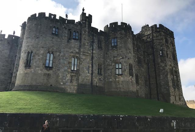 outside alnwick castle gun lawn