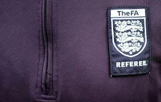 arbitros-futbol-referee-thefa