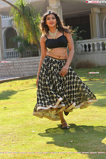 Hebah Patel in Spicy Black Choli and Ghagra HD Pics  016.jpg