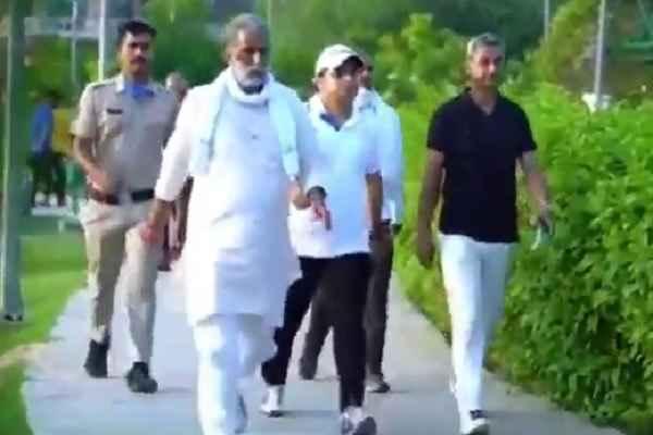 minister-krishanpal-gurjar-walk-exercise-video-to-inspire-faridabad-people
