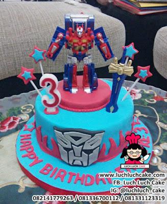Kue Ulang Tahun Robot Transformer