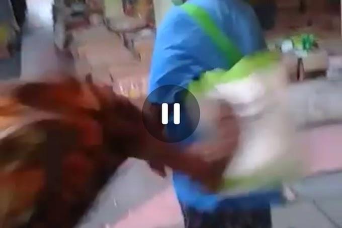 Viral Video Seorang  Nenek Ditendang Pemuda di Pasar Karena Dituduh Mengutil