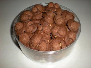 Resep Kue Kering Cokelat Kacang Mede Sajian Sedap Putih Keju Enak Belang Chip Lebaran