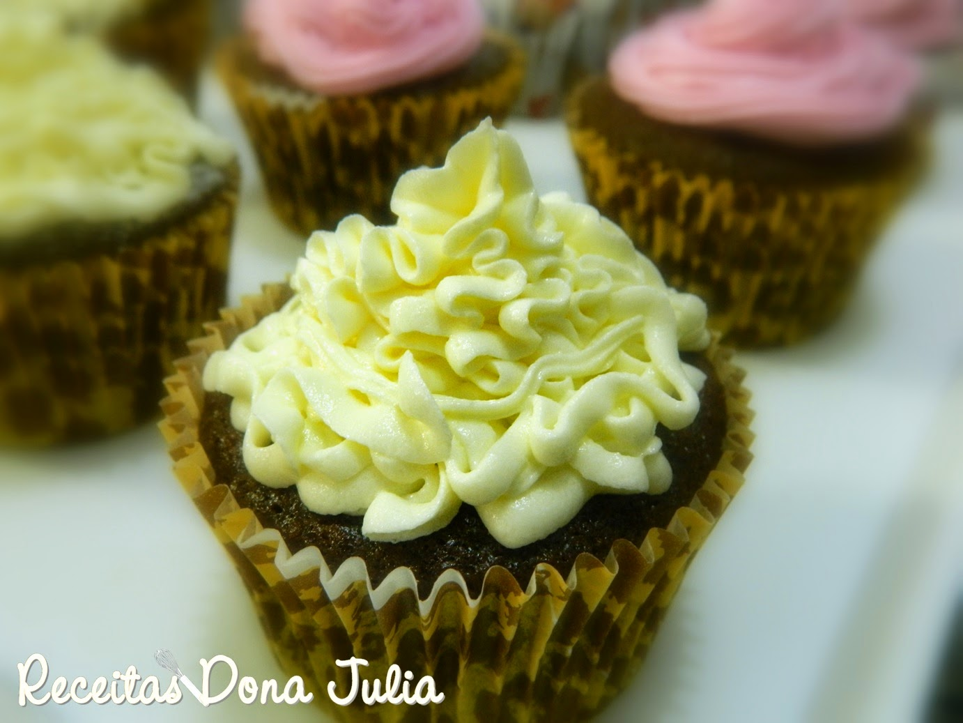 """Buttercream de chocolate branco"""