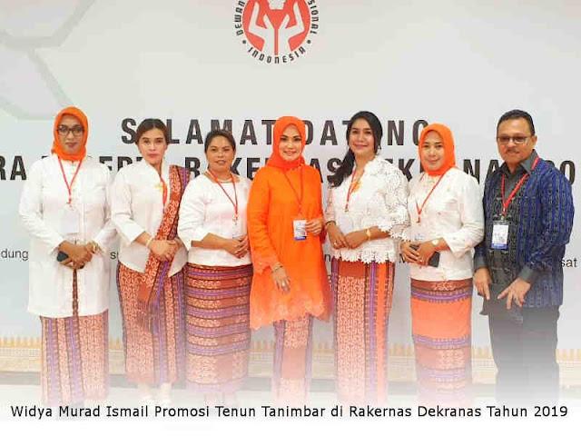 Widya Murad Ismail Promosi Tenun Tanimbar di Rakernas Dekranas Tahun 2019